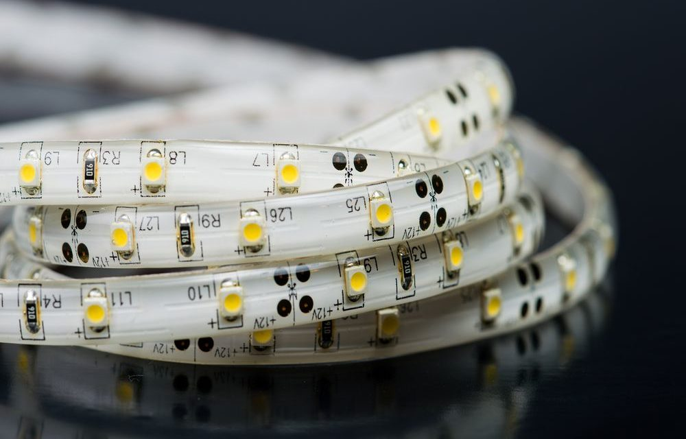 Como emendar e cortar a fita LED?
