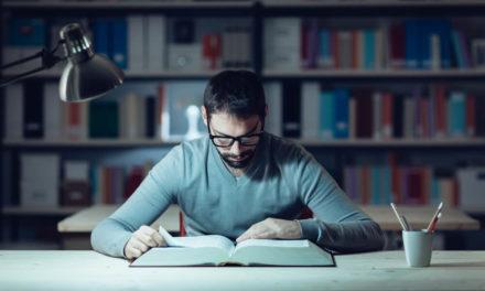 Qual a iluminação ideal para ambiente de leitura?