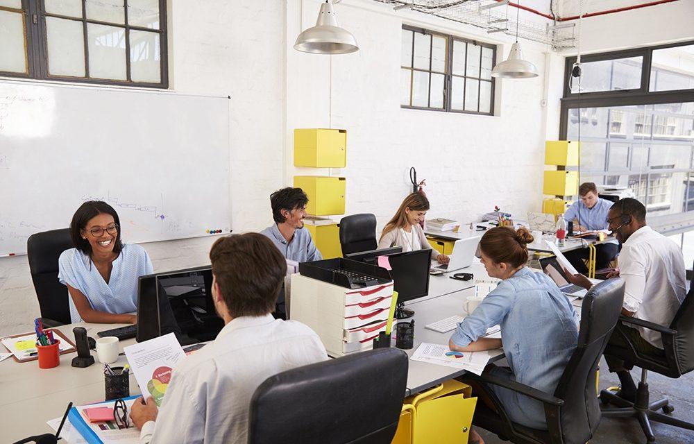 Você sabe como economizar energia elétrica no trabalho?