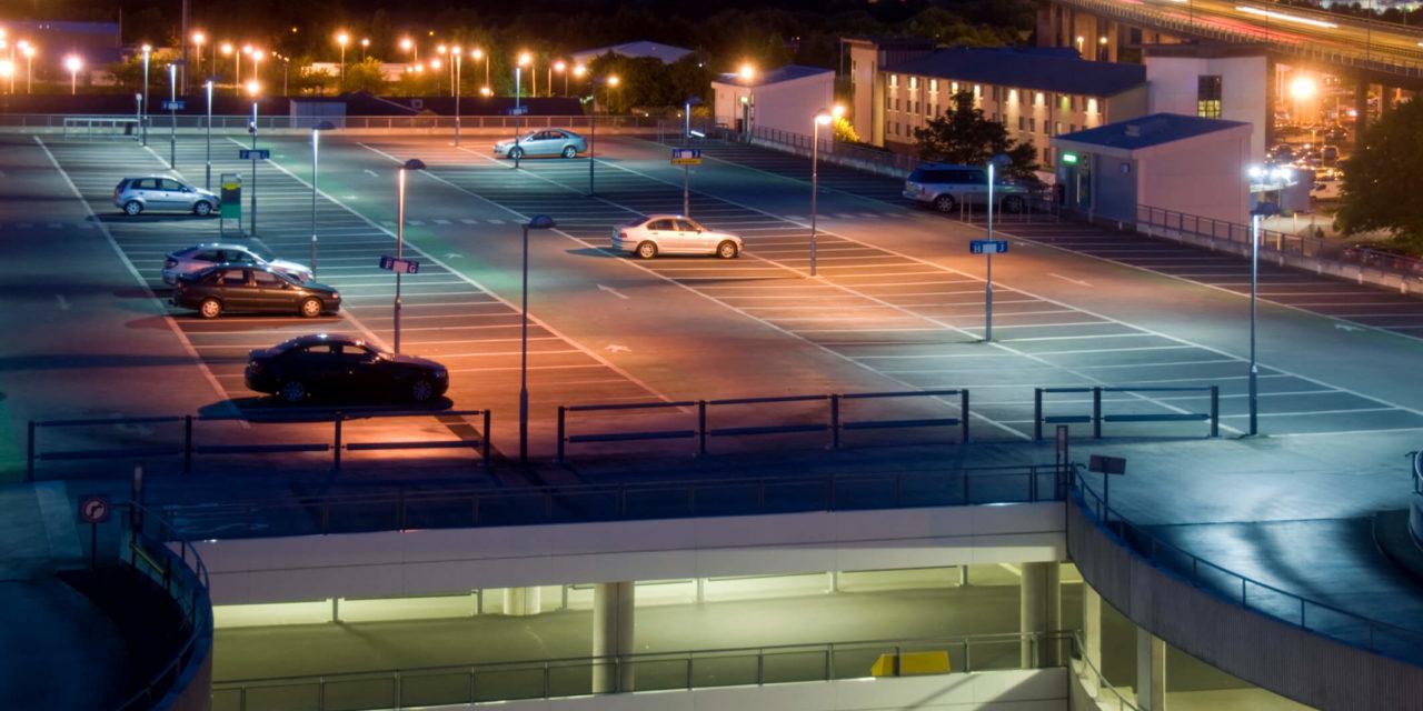 Iluminação para estacionamento externos: aprenda como fazer