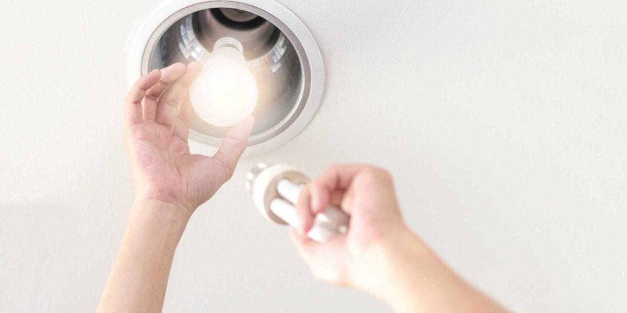 Consumo consciente: 5 dicas para economizar energia na quarentena!