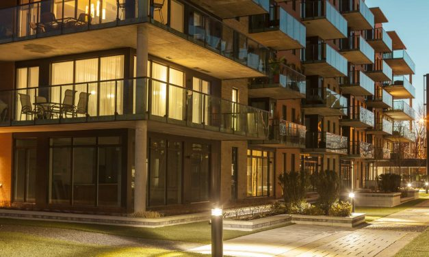 Veja como fazer uma iluminação perfeita para varanda de apartamento